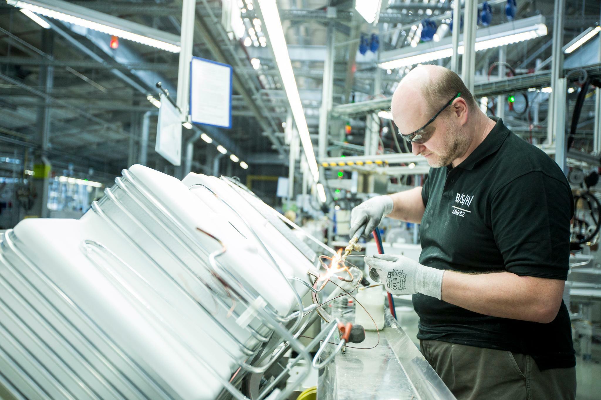 Bosch Kühlschrank Produktion : Bsh chinesen stürzen sich auf bosch hausgeräte