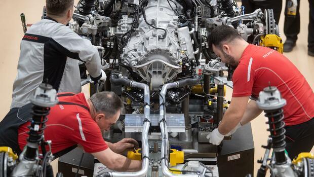E-Autos: Wandel zur E-Mobilität kostet Autoindustrie viele Jobs
