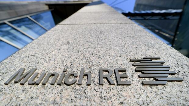 Rückversicherer: Beteiligung von fast einer Milliarde Euro: US-Großinvestor steigt bei Munich Re ein - Handelsblatt
