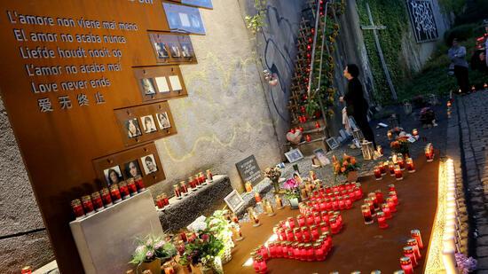 Loveparade-Jahrestag in Duisburg: Nacht der 1000 Lichter