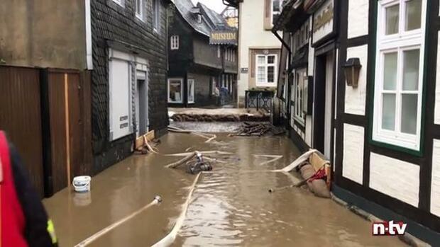 berschwemmungen in deutschland nasser keller so sichern sie sich finanziell ab. Black Bedroom Furniture Sets. Home Design Ideas