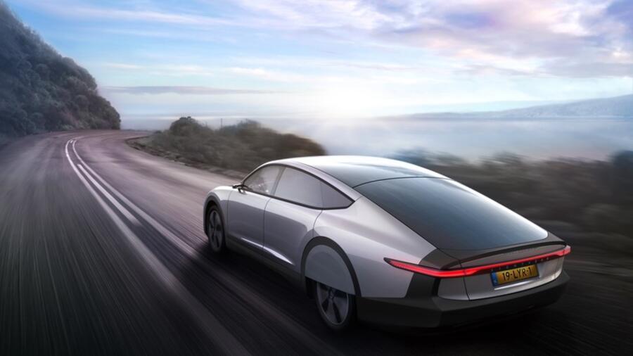 Sonnenkraftwerk an Bord – Sind Autos mit Solarzellen eine Alternative?