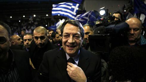 Der Konservative Nikos Anastasiadis gilt als großer Favorit. Quelle: ap