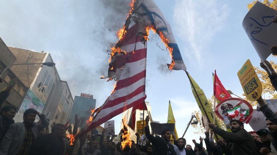 Anti-US Demonstrationen in Iran vor Sanktionsbeginn