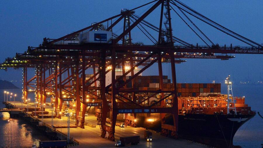 Platz 3 der größten Containerhäfen belegt der chinesische Hafen Ningbo-Zoushan. Quelle: Reuters