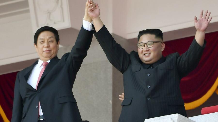 Nordkorea feiert sich mit Militärparade zum 70. Jubiläum