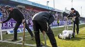 Fußball: Eis am Spielfeldrand: Platzbreite in Lotte schrumpft
