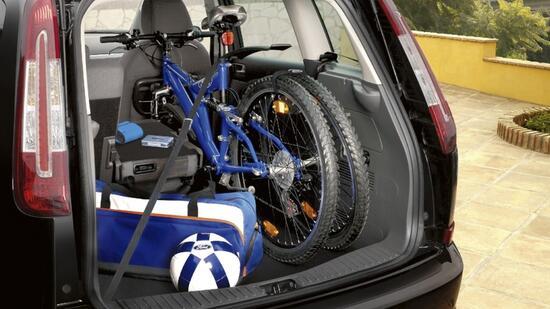 fahrradtransport mit dem auto oben drauf hinten dran. Black Bedroom Furniture Sets. Home Design Ideas