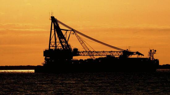 Wirtschaft: Ölpreise stoppen Talfahrt vorerst - WTI erstmals seit November unter 45 Dollar