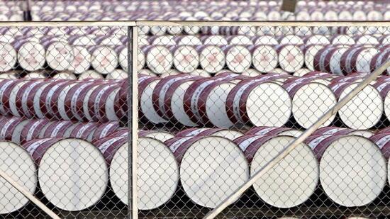 Der Kurs für ein Barrel Öl fiel deutlich. Quelle: dpa