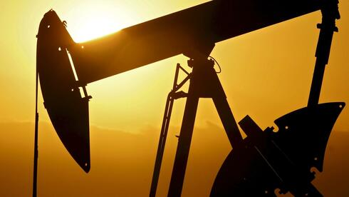 Ölpumpe auf einem Ölfeld bei Ponca City, Oklahoma. Quelle: dpa