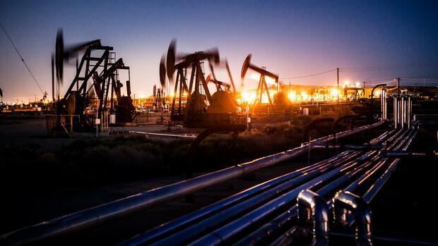 Energieversorgung : Warum der Ölpreisverfall der US-Wirtschaft besonders zusetzt
