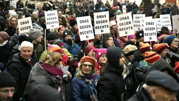 Österreich: Zehntausende demonstrieren gegen Regierung