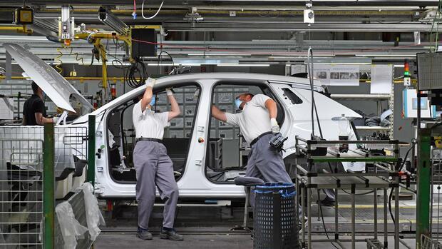 Kriselnder Autobauer: Opel plant Transfergesellschaften und Kurzarbeit bis Ende 2021