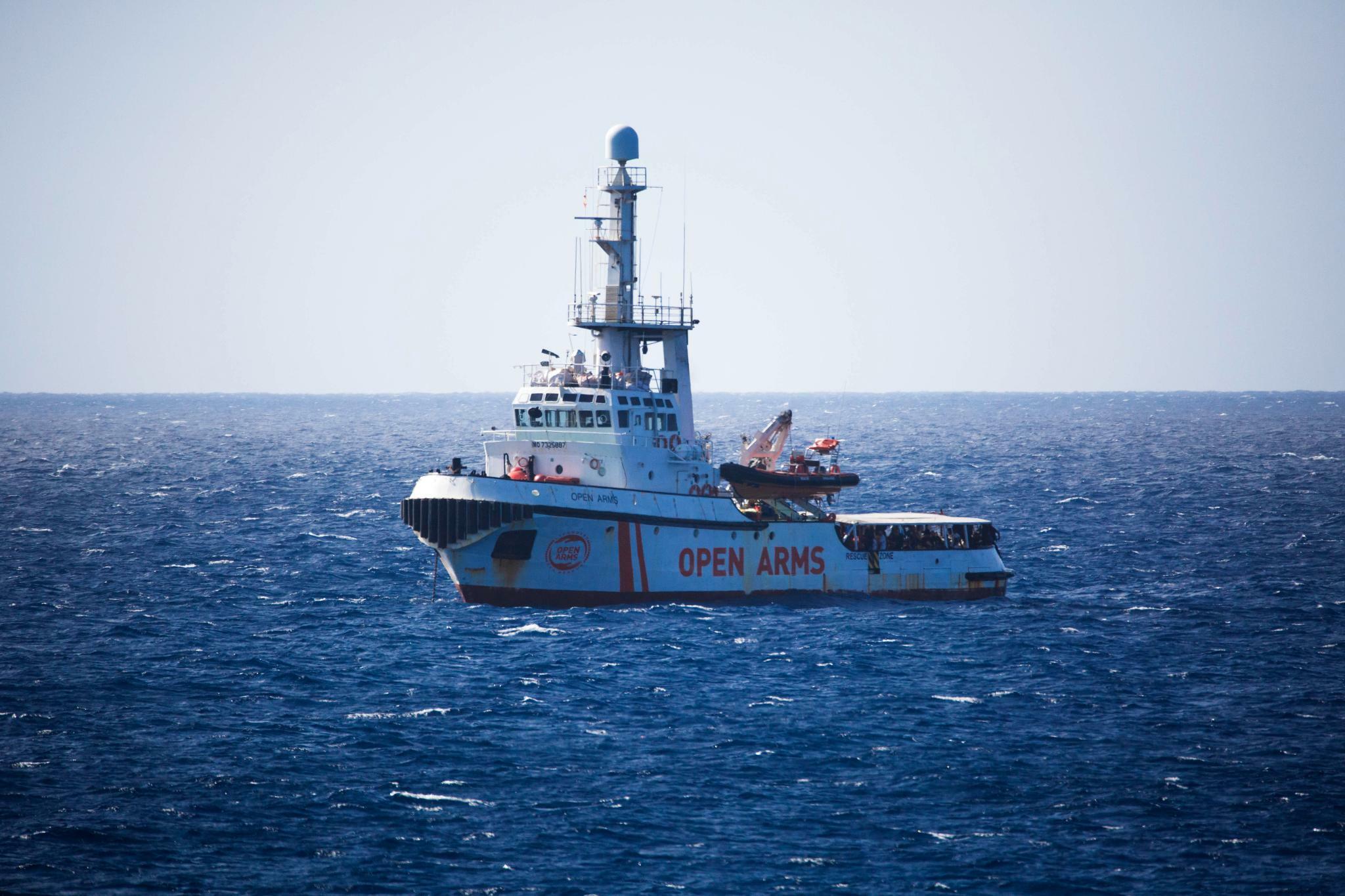 """""""Open Arms"""" darf in spanischen Hafen einfahren"""