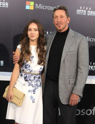 "Los Angeles: Oracle-Chef Larry Ellison und Begleiterin Nikita Kahn posieren bei der Premiere ""Star Trek Into Darkness"" in Hollywood. Ellison hat den Film produziert. Quelle: Reuters"