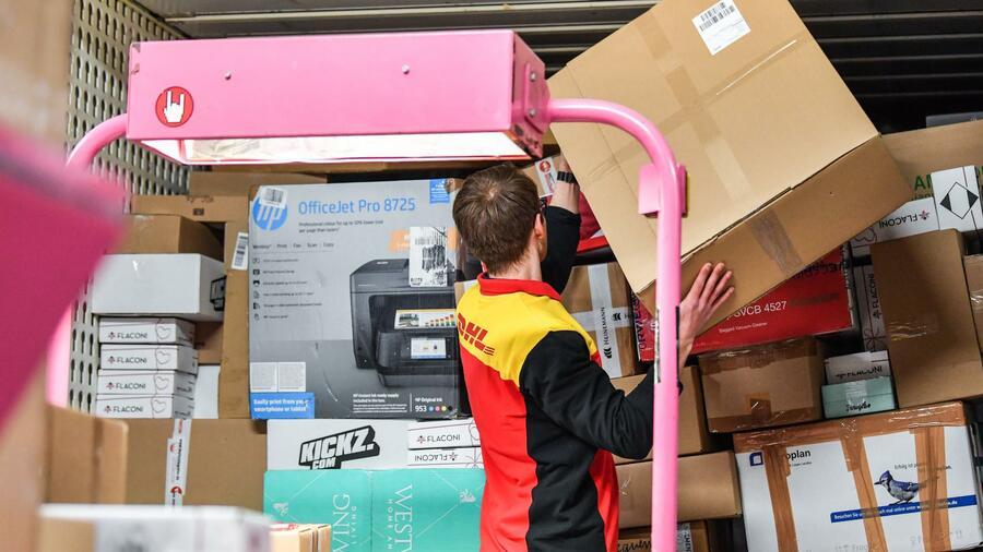 Auch nach Feierabend: Post-Kunden können bald Wunschlieferzeit für Pakete festlegen