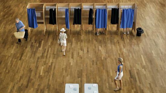 Wahl in Frankreich: Macron-Lager gewinnt erste Runde der Parlamentswahl deutlich