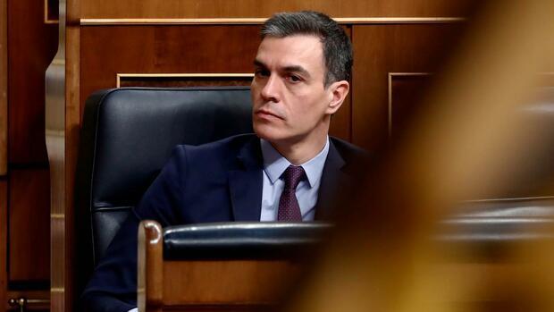 Corona-Pandemie: Spaniens Ministerpräsident steht für sein Krisenmanagement in der Kritik