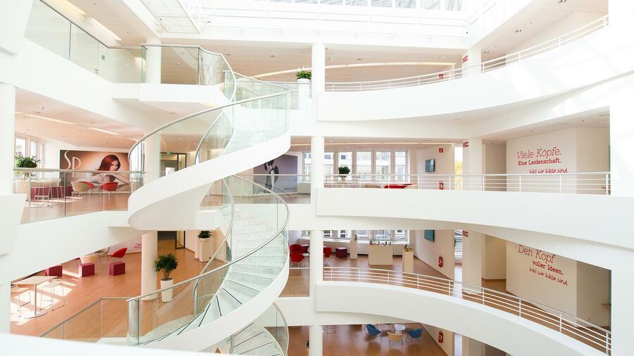 Procter Gamble Pampers Hersteller Baut Stellen In Deutschland Ab
