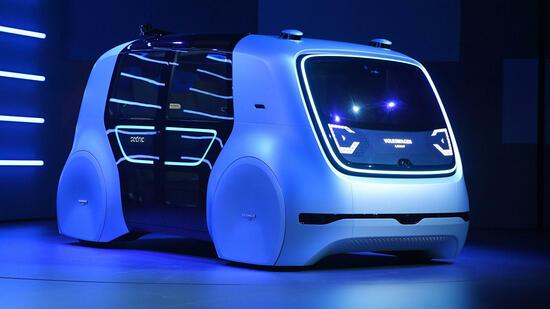 Autonomes Fahren Roboter Bus Wird Von Lkw Angefahren