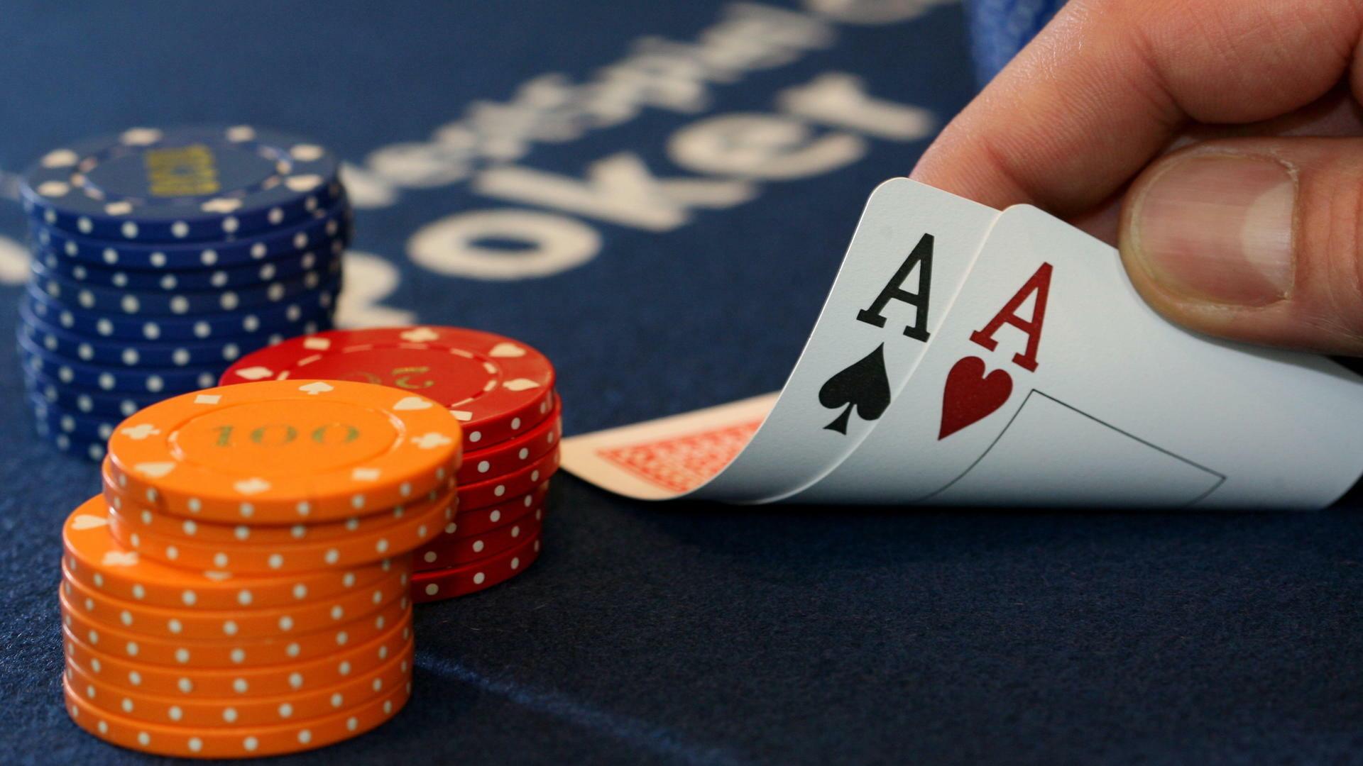 Dossier zum Download: Das Zypern-Poker der EZB