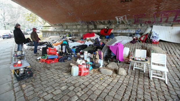 obdachlose in deutschland immer mehr menschen ohne festen wohnsitz. Black Bedroom Furniture Sets. Home Design Ideas