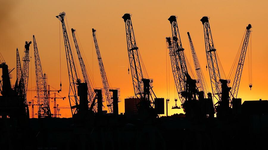 Konjunkturforscher heben Wachstumsprognose für 2018 und 2019 leicht an