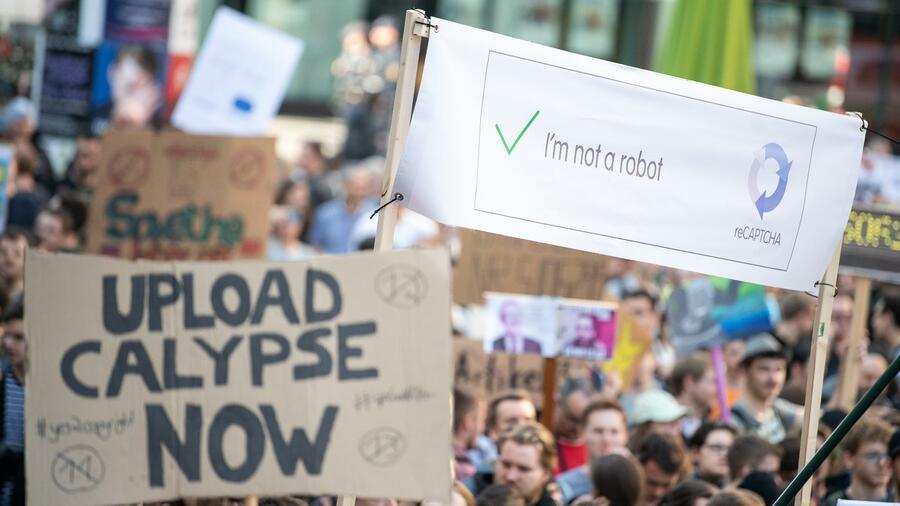 Mit ihren Attacken auf die Gegner der Uploadfilter haben sich viele Politiker verrannt