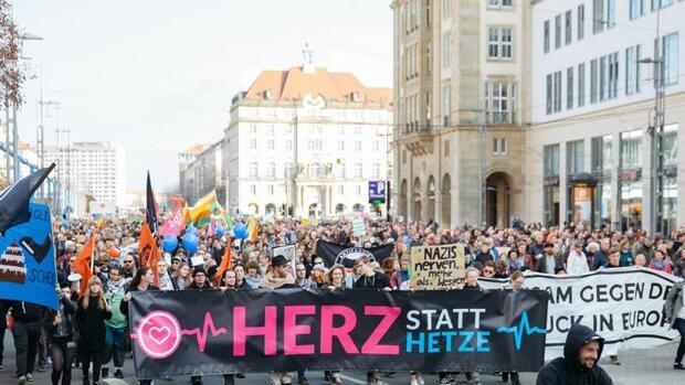 Politik: Tausende wollen in Dresden gegen Pegida demonstrieren