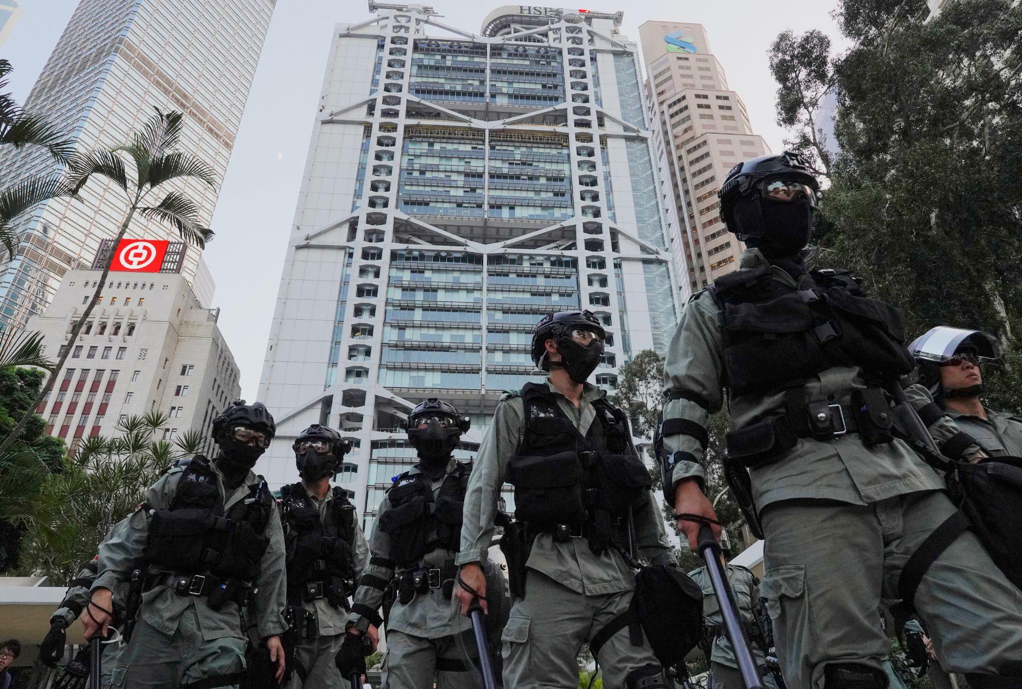 Hongkong: Carrie Lam droht mit chinesischer Militärintervention