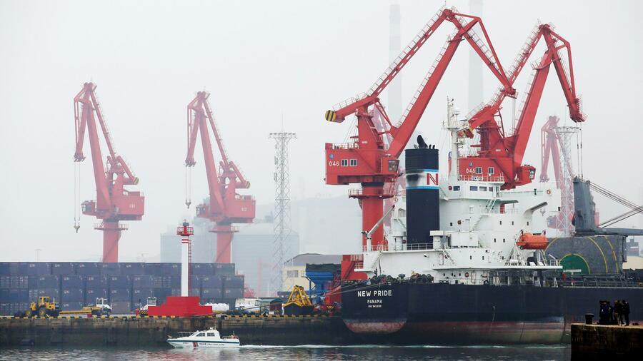 Auf Platz 6 der größten Containerhäfen der Welt steht das chinesische Qingdao. Quelle: Reuters