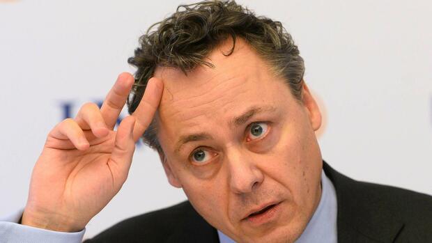 Ralph hamers niederl nder w tend ber 50 prozent for Koch 50 prozent