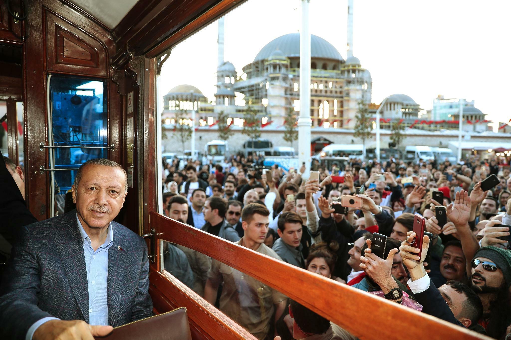 Erdogan kämpft gegen den Verlust seiner Macht