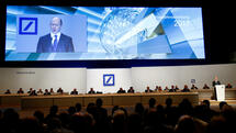 Deutsche Bank CEO John Cryan speaks during the bank's annual general meeting in Frankfurt, Germany May 18, 2017. REUTERS/Ralph Orlowski Quelle: Reuters