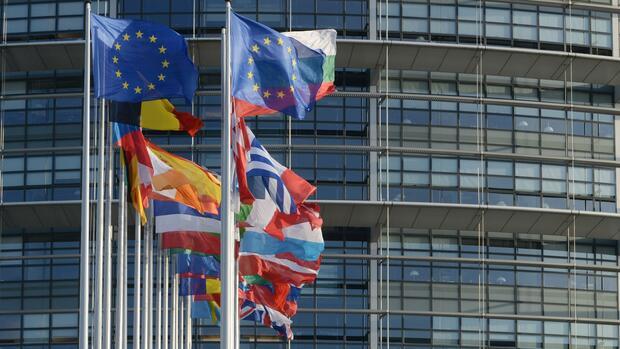 Euro-Zone: Ökonomen wollen Europa krisenfest machen
