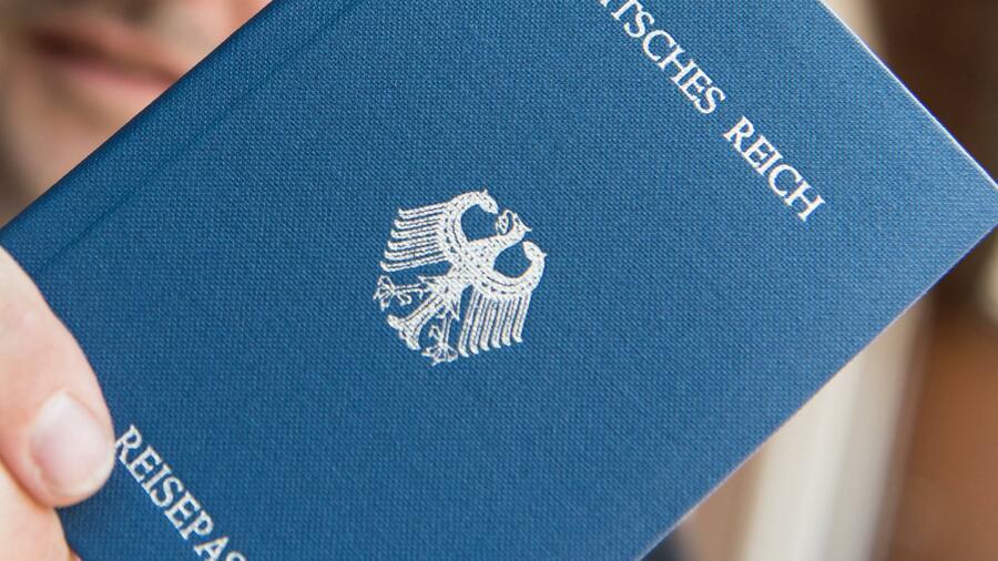 Polizei entdeckt Waffen und Munition bei Reichsbürger