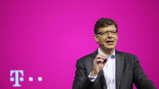ROUNDUP: Deutsche Telekom tauscht T-Systems-Chef aus - Nachfolger noch geheim