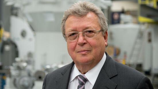 <b>Reinhold Festge</b> wurde am 10. November 1945 in Oelde in Nordrhein-Westfalen <b>...</b> - 2-format2010