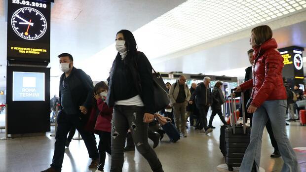 Epidemie: Deutsche Wirtschaft rüstet sich gegen Coronavirus-Ausbruch in Europa