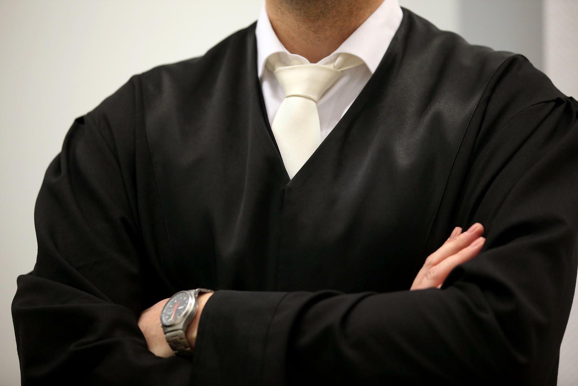 Urteil zu Dresscode vor Gericht: Auch Anwälte müssen Robe tragen