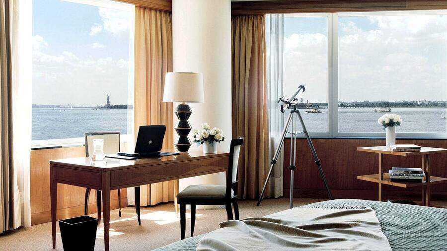 ritz carlton in new york das 41 millionen dollar appartement. Black Bedroom Furniture Sets. Home Design Ideas