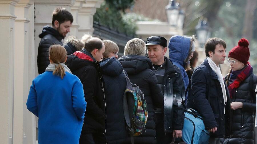 EU-Staaten weisen russische Diplomaten aus - Moskau kündigt Vergeltung an