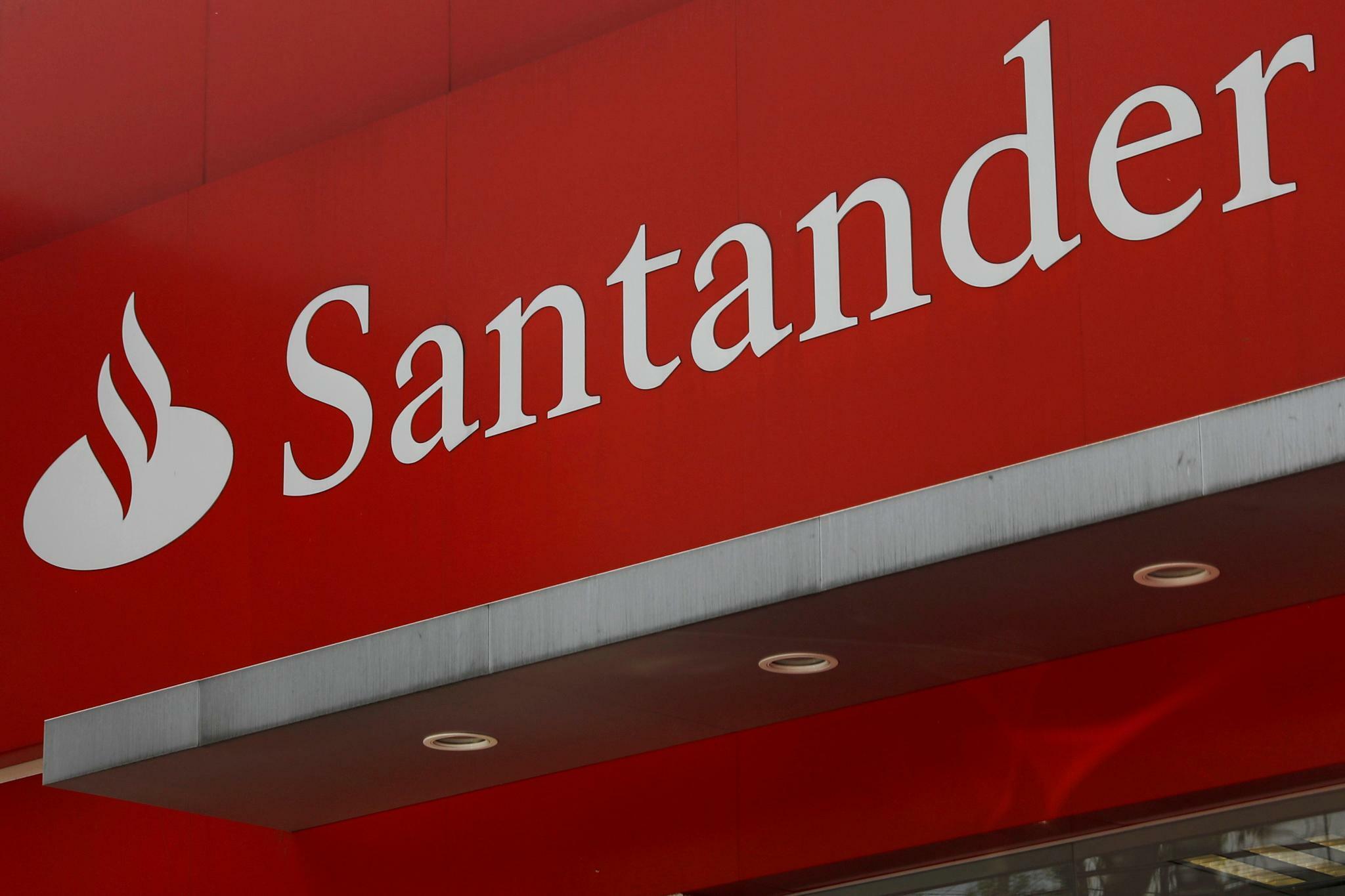 Santander steigert Nettogewinn im Schlussquartal