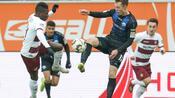 Fußball: 3:0 gegen Dresden - Paderborn setzt gute Saison fort