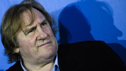 Gerard Depardieu zieht nach Belgien: Die französische Regierung verdirbt es sich mit den Superreichen. Quelle: dapd