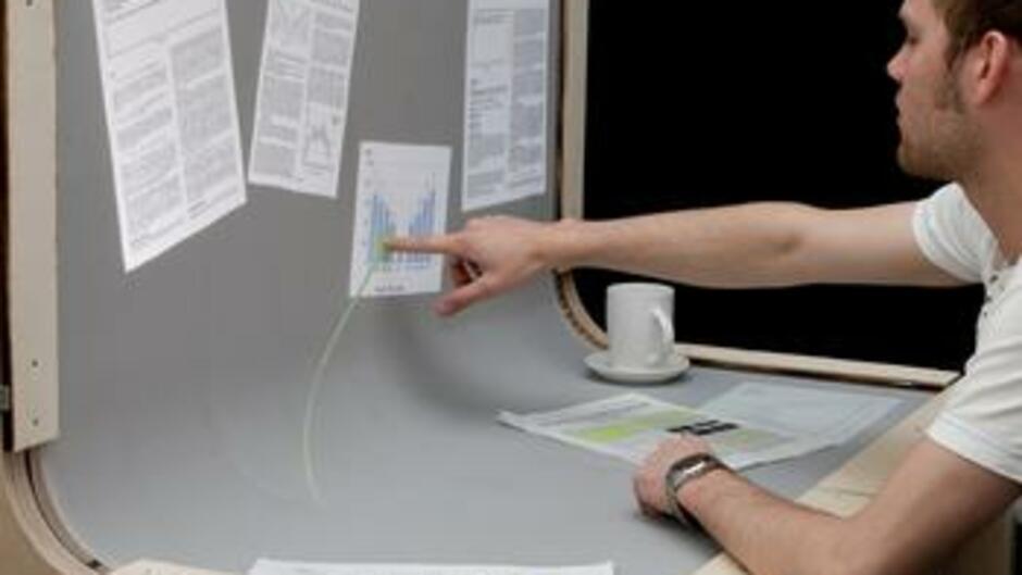 Schreibtisch futuristisch  Bend Desk: Forscher entwickeln den Schreibtisch der Zukunft