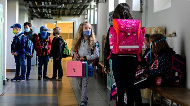 Coronavirus – Die Lage am Donnerstag: Streit über Öffnung von Schulen und Kitas - Wie ansteckend sind Kinder?