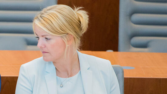 Schwere Vorwürfe gegen NRW-Agrarministerin: Tierschützer veröffentlichen schockierende Aufnahmen von ihrem Hof