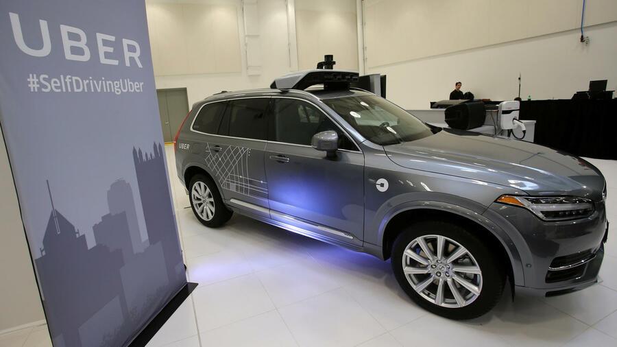 selbstfahrende autos uber will tausende robo taxis von. Black Bedroom Furniture Sets. Home Design Ideas